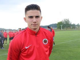 土耳其媒体:南安普顿等队有意引进青年联合中场厄兹德米尔