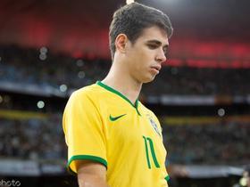 代表巴西国家队首秀八周年,奥斯卡发文晒照纪念