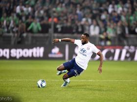 英媒:跟曼联抢,埃弗顿想在明年夏天引进里昂前锋登贝莱