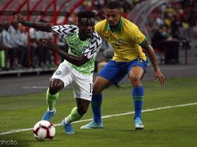 半场:巴西0-1尼日利亚,内马尔在第12分钟被库蒂尼奥换下
