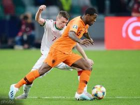 半场战报:荷兰2-0白俄罗斯,威纳尔杜姆9分钟双响+世界波