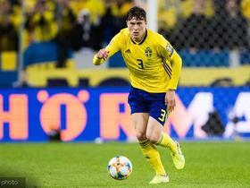 官方:林德洛夫蝉联瑞典足球先生,伊布当选最佳前锋