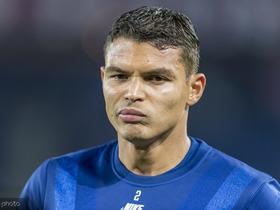 大巴黎的铁闸,蒂亚戈-席尔瓦当选法甲10月最佳球员