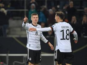 德国4-0白俄罗斯提前小组出线,克罗斯两射一传,诺伊尔扑点