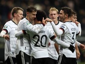 德国6-1北爱尔兰锁定小组头名,格纳布里戴帽,格雷茨卡双响