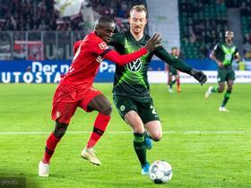 里程碑,阿诺德代表沃尔夫斯堡德甲第200次出场