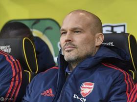 依然没有起色,两轮联赛后,阿森纳球迷讨论让永贝里下课