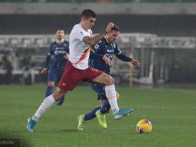 半场战报:维罗纳1-2罗马,小克鲁伊维特破门,佩罗蒂点射