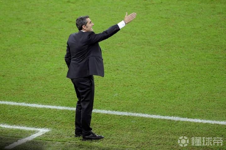 世体:巴尔韦德从未考虑辞职,明天将会继续带队训练
