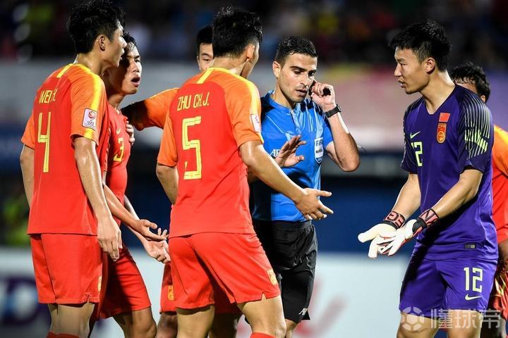 广州日报:国奥兵败亚洲杯后,所有球员要写两三千字的反思