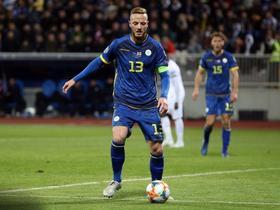 记者:那不勒斯已经签下拉马尼,将其租借至维罗纳到7月份