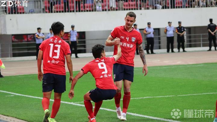 据经纪人消息: 阿尔比与陕西长安竞技续约至202...