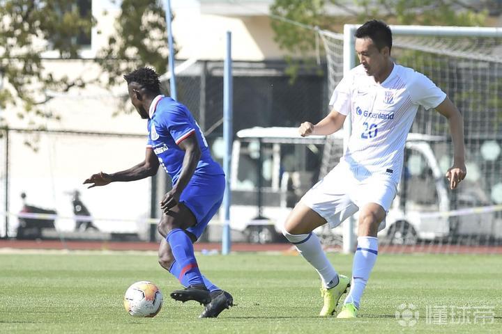 足球开户 新闻晨报:金信煜在蓝白争霸赛中受伤,出现肌肉不适
